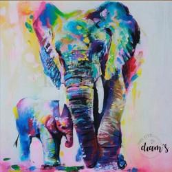 Éléphants multicolores...
